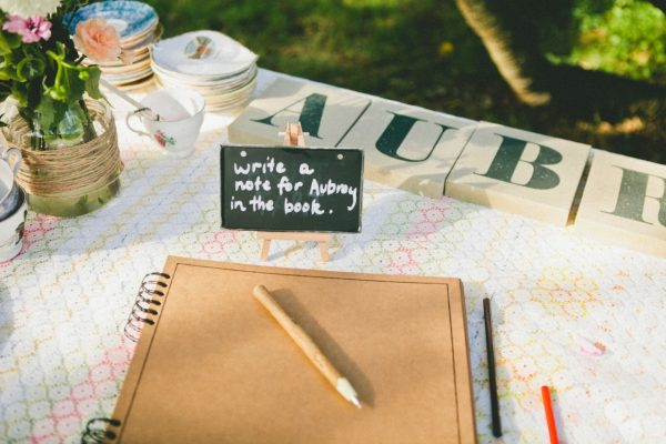 Baby shower guest book | The Sweetest Occasion