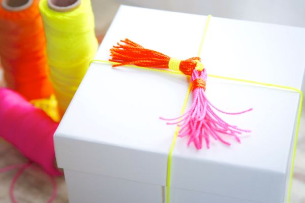 DIY Neon Gift Topper | Henry Happened for The Sweetest Occasion