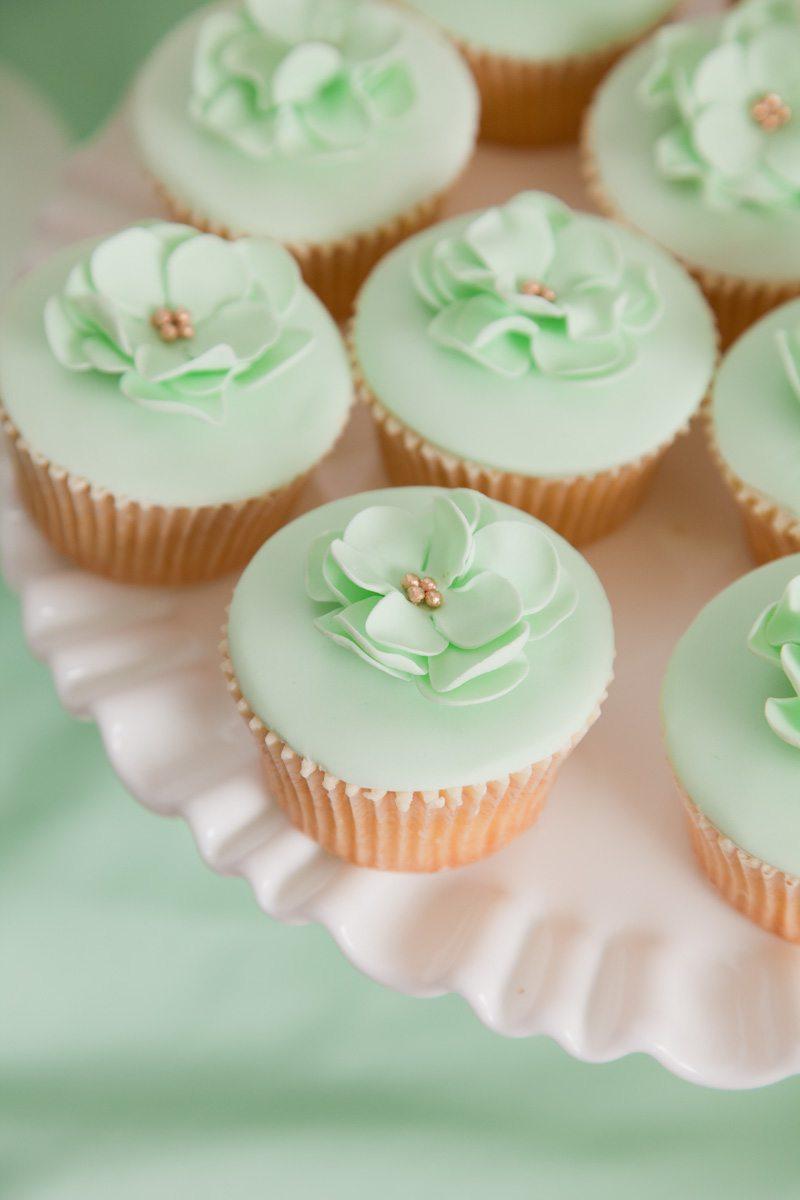 mint flower cupcakes