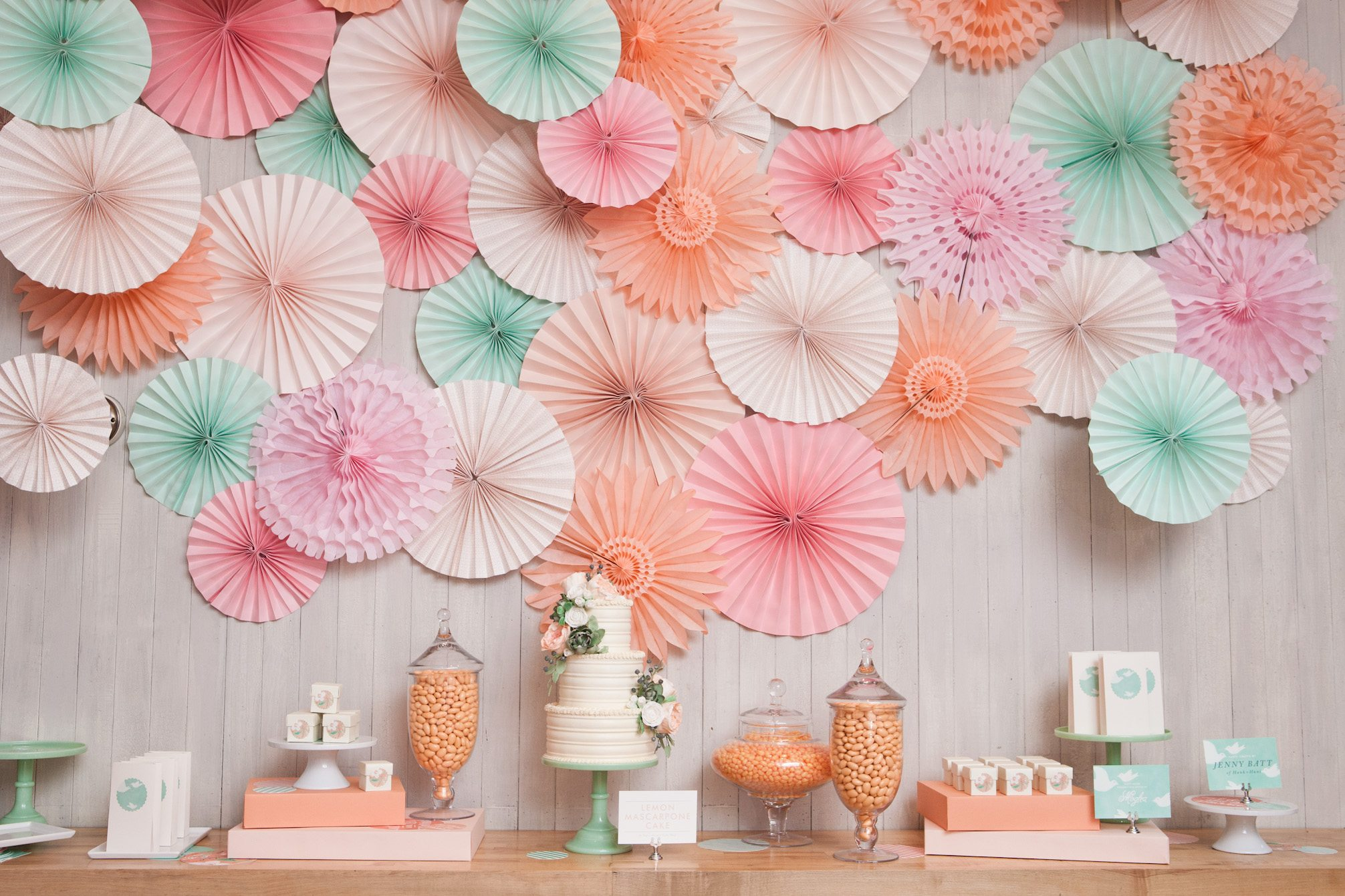 Brunch with minted the sweetest occasion for Back ground decoration