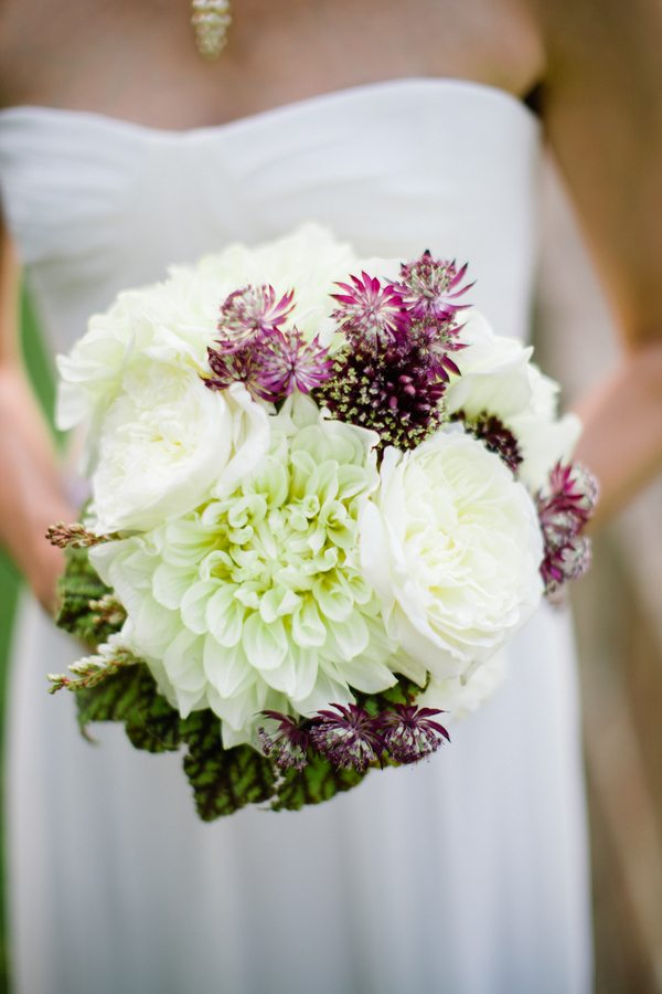 white-dahlia-bouquet - The Sweetest Occasion — The Sweetest Occasion