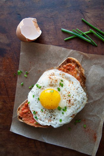 Pan con Tomate Fried Egg Sandwich