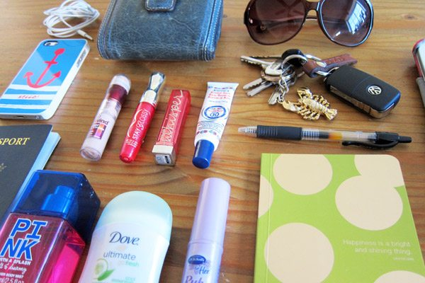 What's In My Purse | The Sweetest Occasion