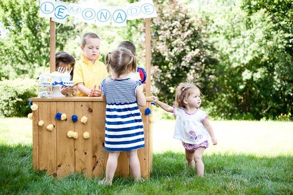Backyard Lemonade Stand