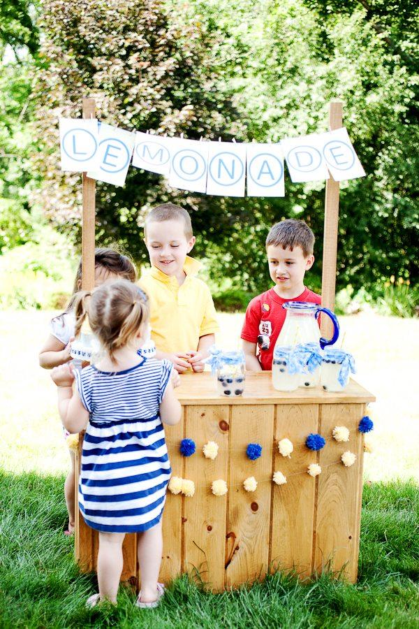Childrens Lemonade Stand