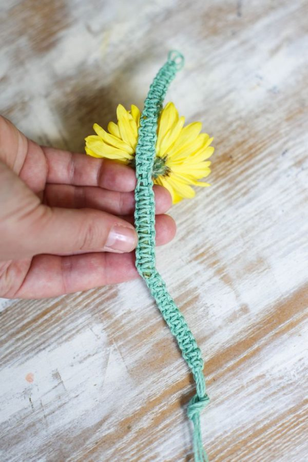 DIY Fresh Flower Macrame Bracelet