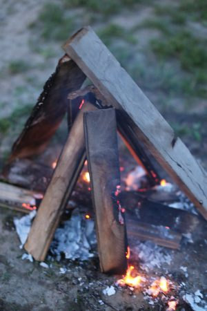 Summer Campfire | Photo by Cyd Converse of The Sweetest Occasion