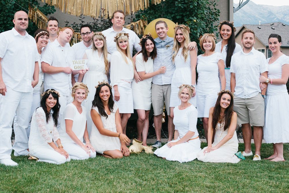 Stacey 39 s golden birthday party ideas the sweetest occasion for Images of all white party decorations