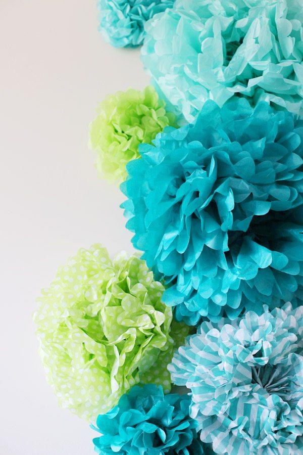 DIY Tissue Pom Pom Backdrop