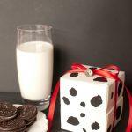 DIY Milk + Cookie Favor Boxes