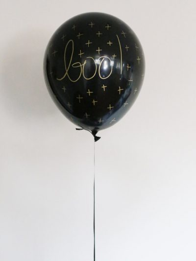 DIY Black + Gold Halloween Balloons thumbnail