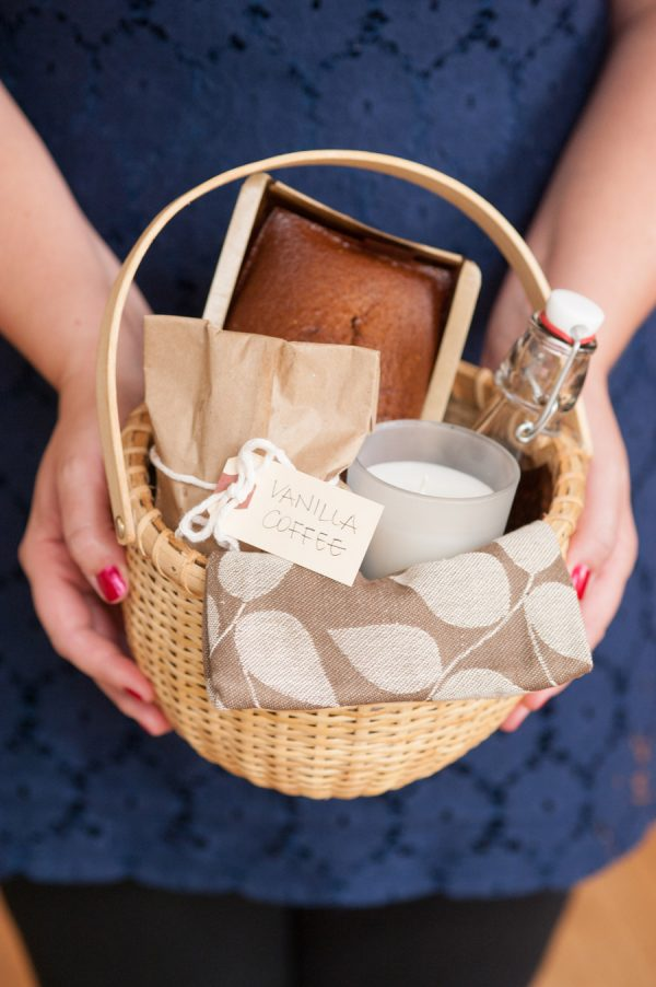 DIY Holiday Hostess Gift Basket - The Sweetest Occasion