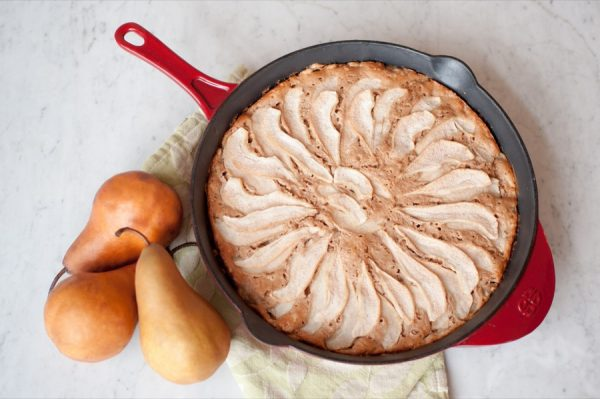 Cinnamon Pear Skillet Cake | The Sweetest Occasion