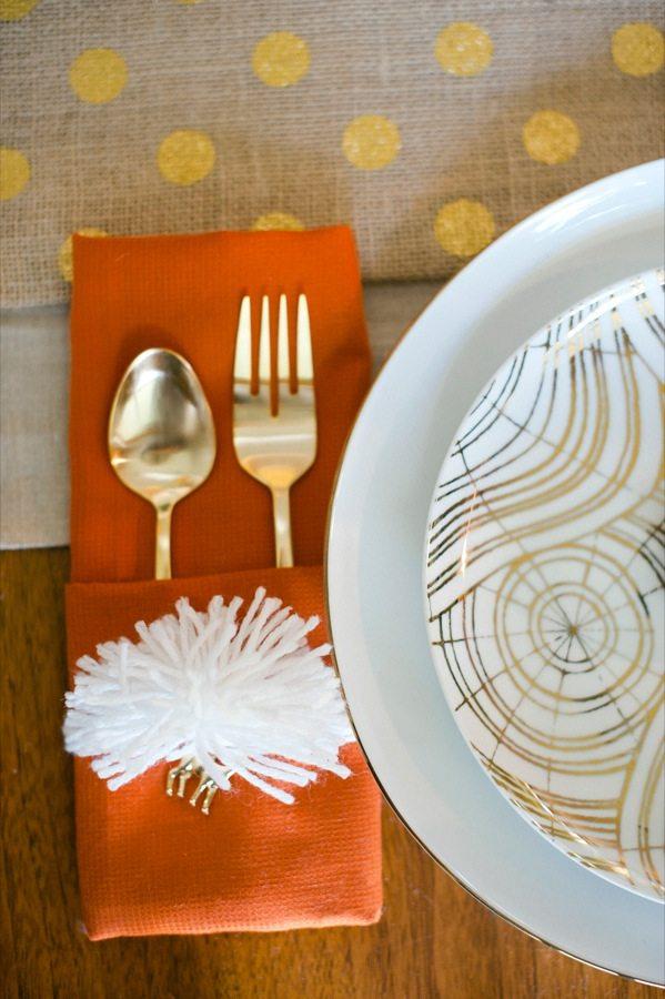 DIY Pom Pom Napkin Rings