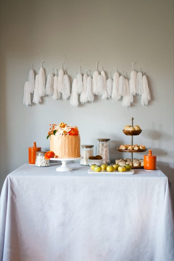 A foxy dessert table feast for Thanksgiving. | Shauna Younge for Confetti Pop (images: Melissa Oholendt)