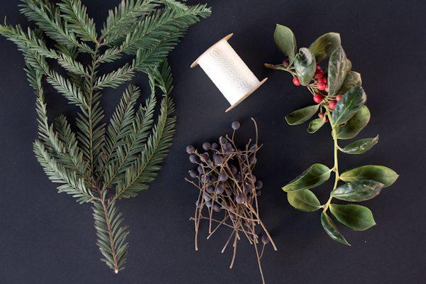 DIY Mini Holiday Wreaths