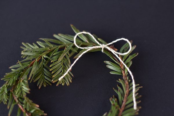 DIY Mini Holiday Wreaths
