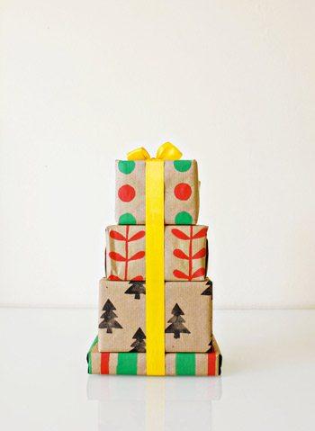 20 DIY Holiday Gift Wrapping Ideas thumbnail