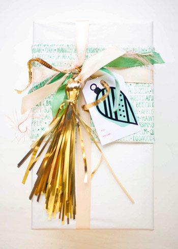 DIY Festive Gift Wrap