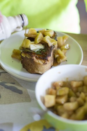 French Toast with Caramelized Apples