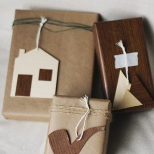 DIY Wooden Gift Tags thumbnail
