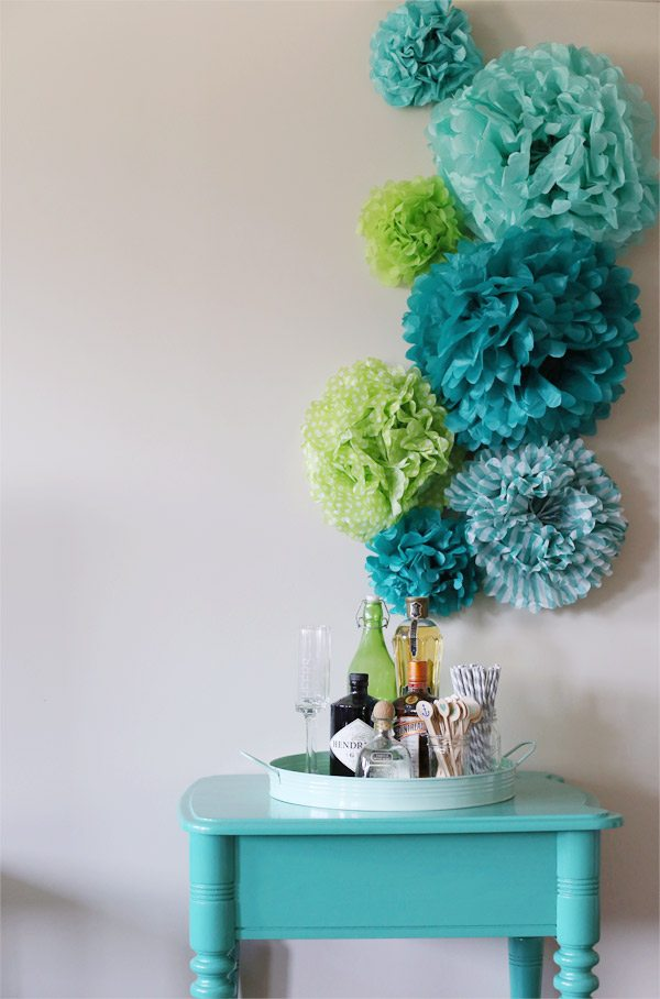 DIY Tissue Paper Pom Pom Backdrop