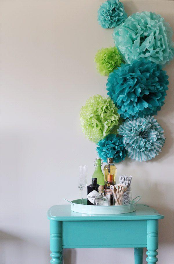 DIY Tissue Paper Pom Pom Backdrop