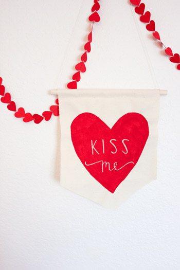 10 Best Valentine's Day Crafts thumbnail