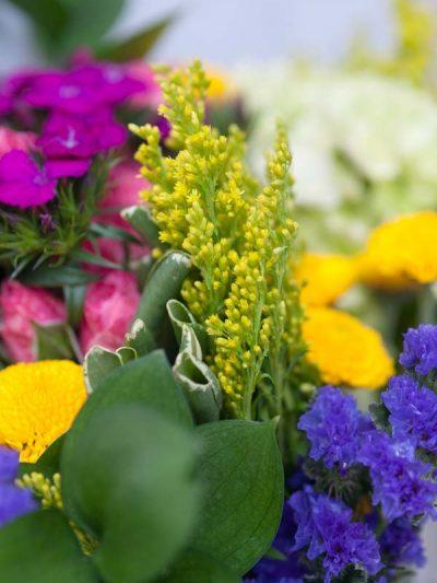 Tips + Tricks: How to Keep Flowers Fresh thumbnail
