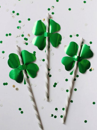 DIY Shamrock Straw Toppers thumbnail
