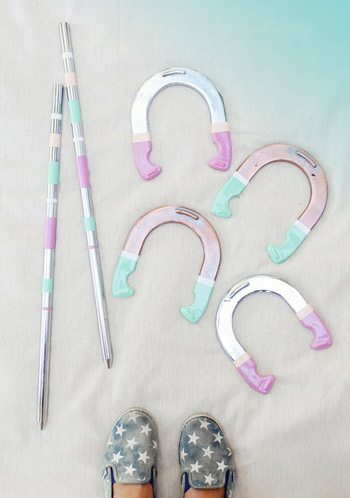 DIY Painted Horseshoes