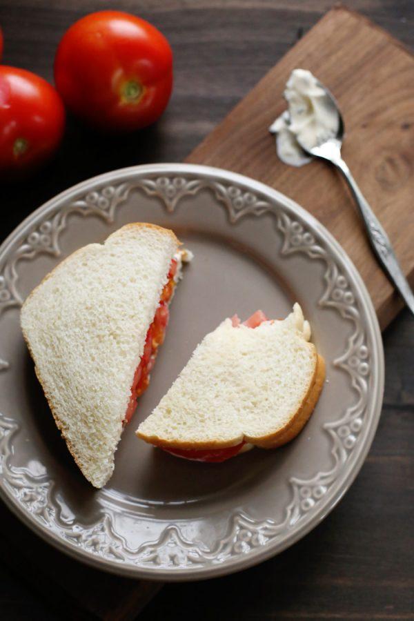 Tomato Sandwich with Basil Mayo