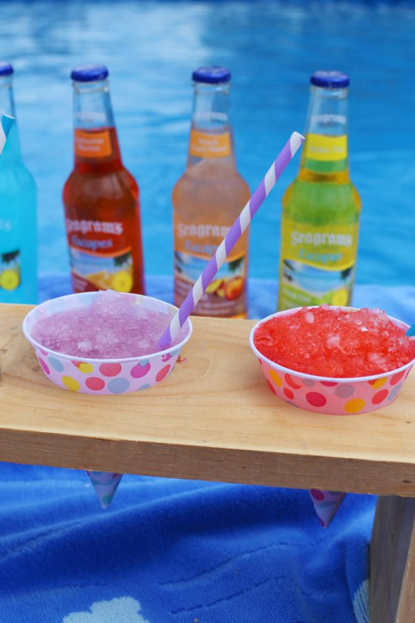DIY Snow Cone Holder by @cydconverse
