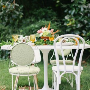 A Pretty Outdoor Fall Dinner Party thumbnail