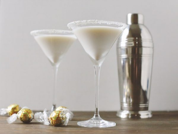 The Snowball Martini by @cydconverse