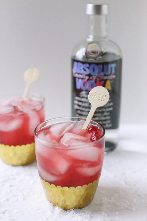 Cranberry Smash Cocktail by @cydconverse