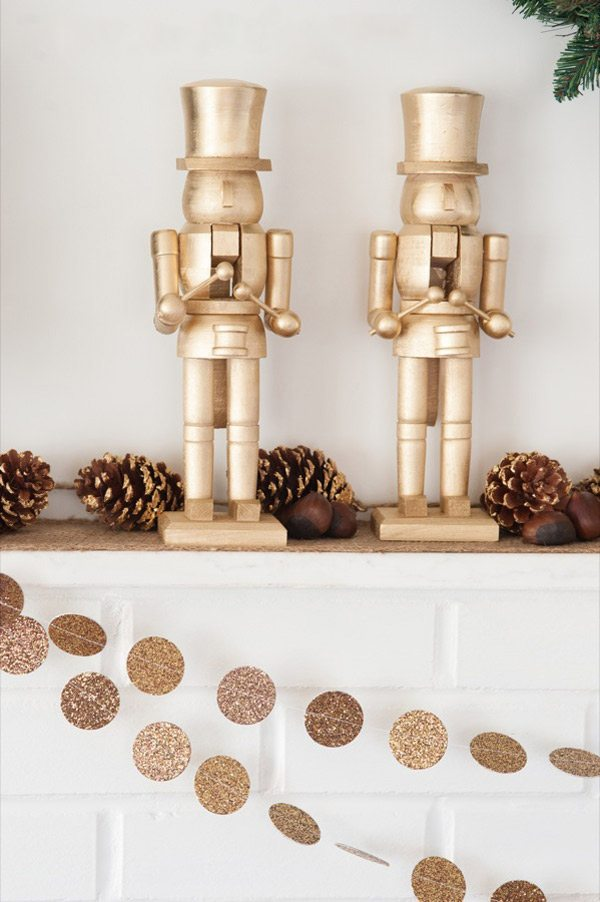 DIY Gold Nutcrackers by @cydconverse