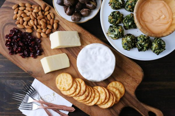 Easy Holiday Dinner Appetizers from @cydconverse