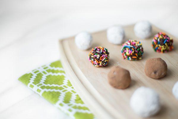 Homemade Chocolate Truffles by @cydconverse