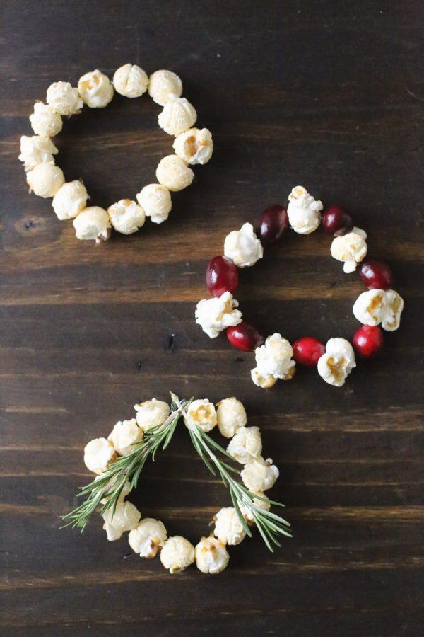 DIY Mini Popcorn Wreath Place Cards