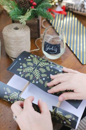Gift Wrapping Party + Free Printables from @cydconverse