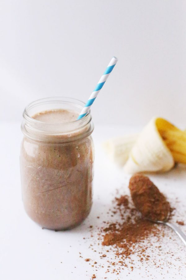 Chocolate Peanut Butter Banana Smoothie by @cydconverse