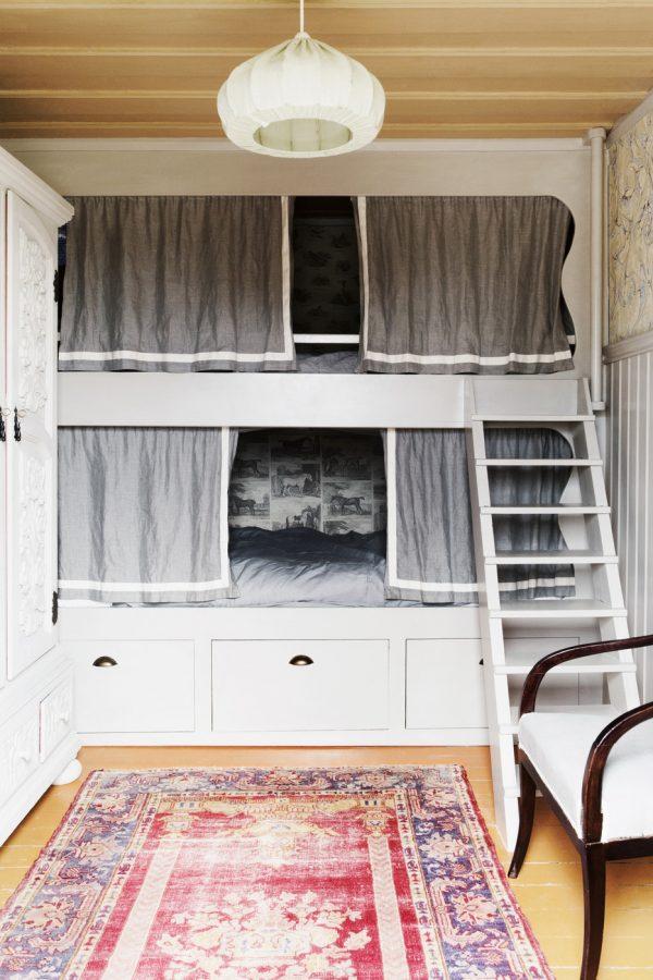 Cozy Built-In Bunk Beds