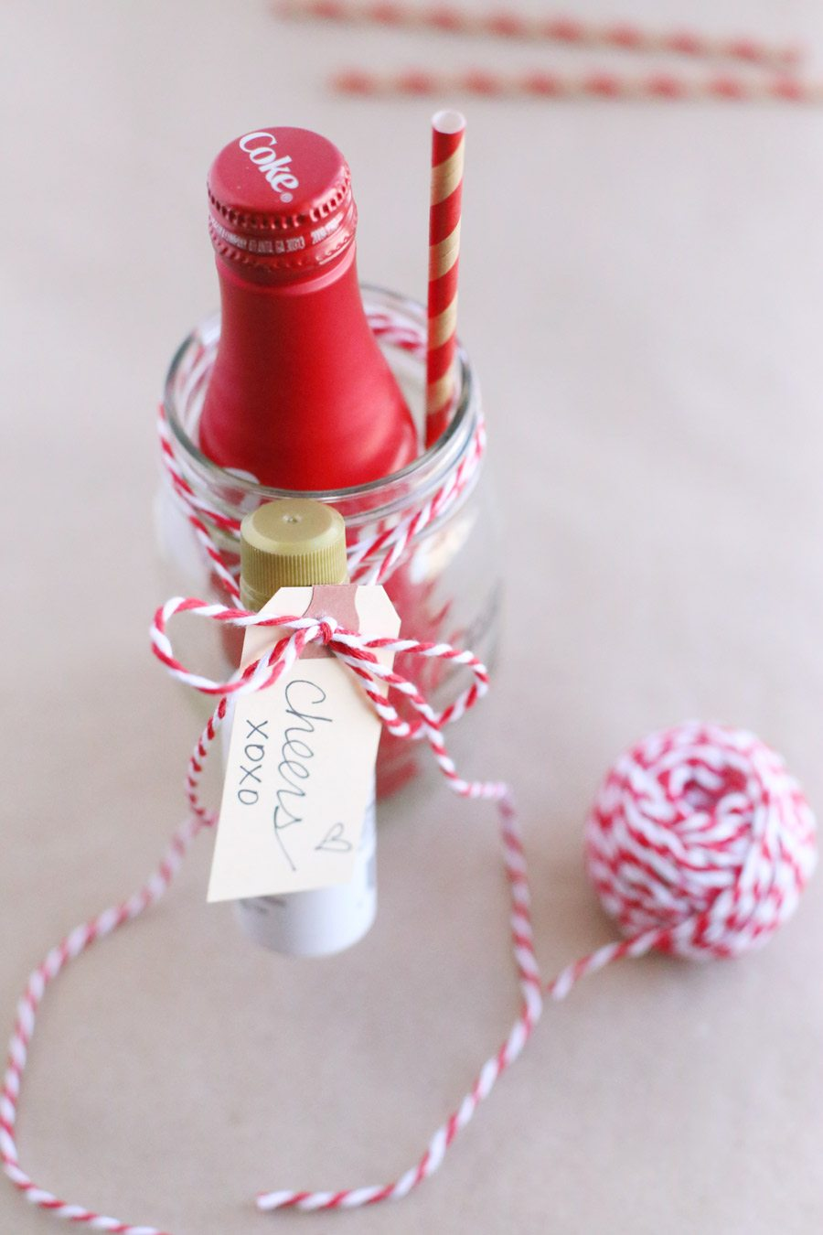 DIY Cocktails to Go for Valentine's Day from @cydconverse