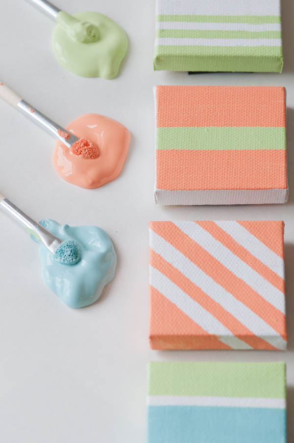 DIY Painted Canvas Magnets from @cydconverse