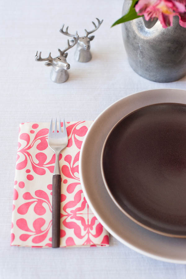DIY No-Sew Cloth Napkins from @cydconverse