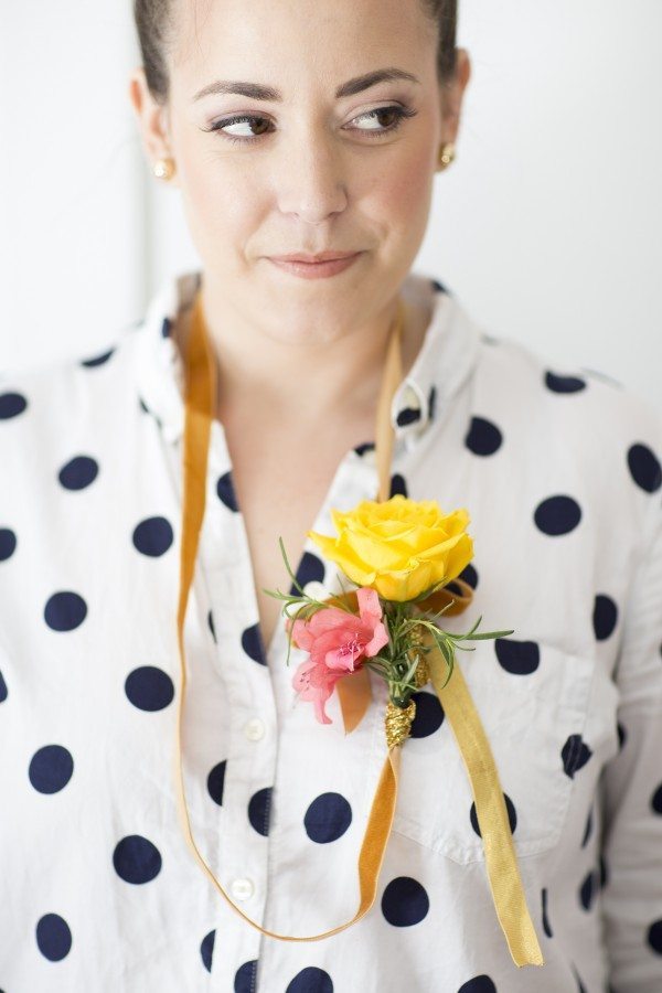 DIY Ribbon Flower Necklace from @cydconverse