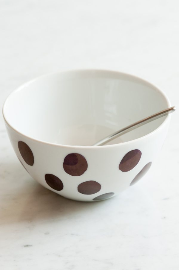 DIY Sharpie Bowl from @cydconverse