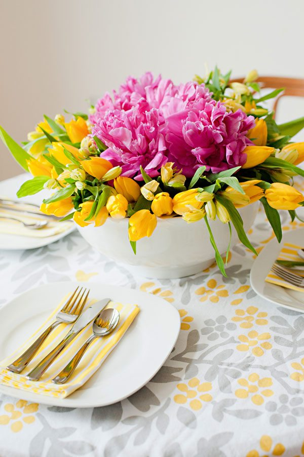 DIY Floral Centerpiece by @cydconverse