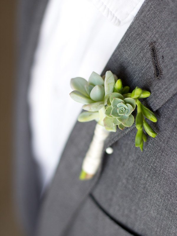DIY Succulent Boutonniere from @cydconverse